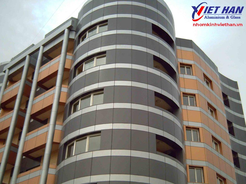 Tấm ốp Aluminium được sử dụng để ốp mặt tiền của nhiều công trình xây dựng